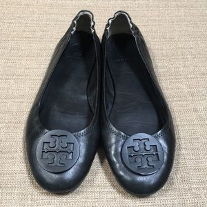 Tory Burch Reva flat in black.